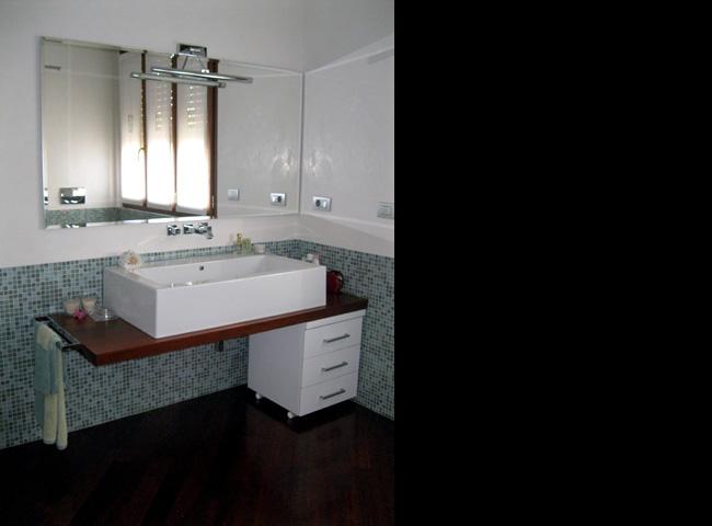 Forum rivestimento bagno - Bagno con parquet ...
